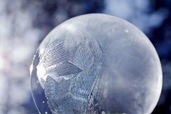 Ледяной шар своими руками