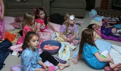 Пижамная вечеринка - день рождения девочки