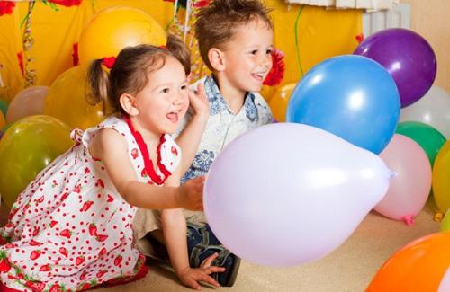 Детские игры с воздушными шарами