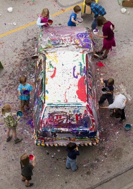 Детский праздник - раскрась машину папы !