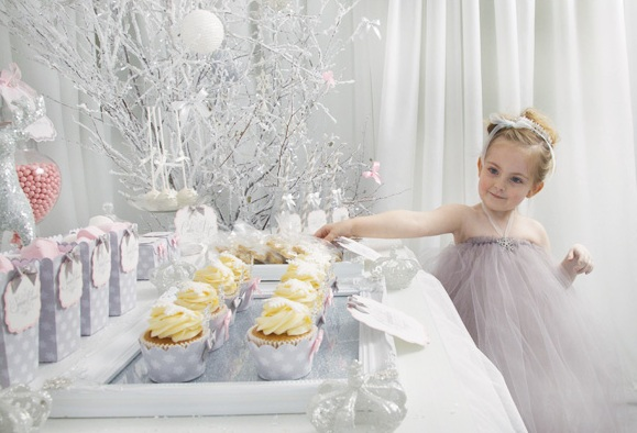 Украшаем комнату - зимний новогодний век