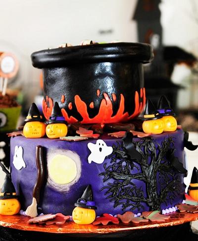 Торт в виде котла ведьмы