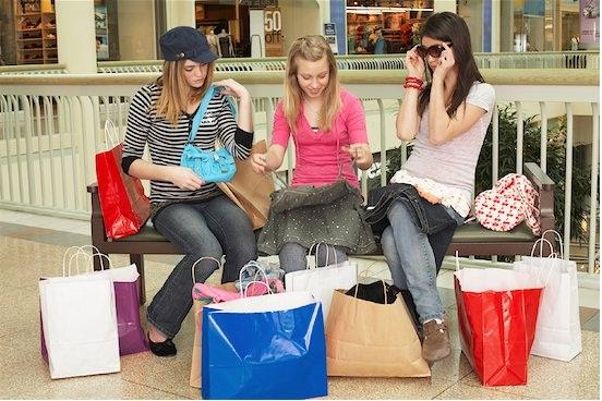 Подростковый шоппинг-день рождение в торговом центре